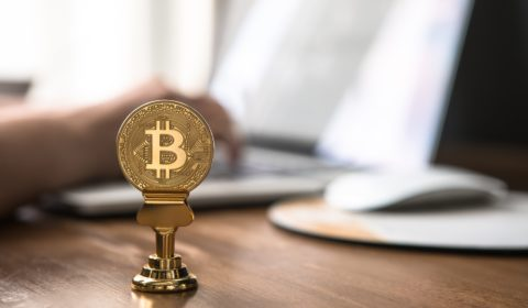 What caused the crash in bitcoin's value a weekend ago